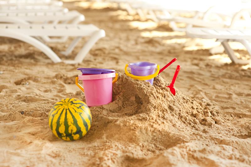 Песочница на пляже