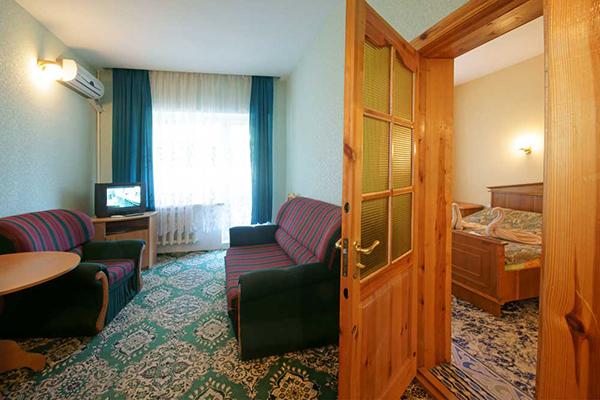 Люкс 2-местный 2-комнатный Корпус «Южный»