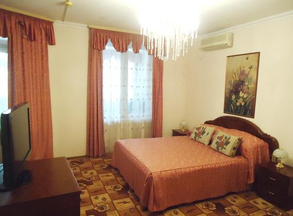 Люкс 2-местный 3-комнатный корпус 8