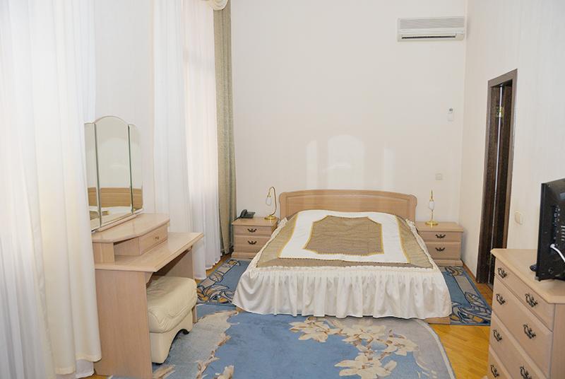 Стандартный 3-местный 3-комнатный в Главном корпусе (*0,81)