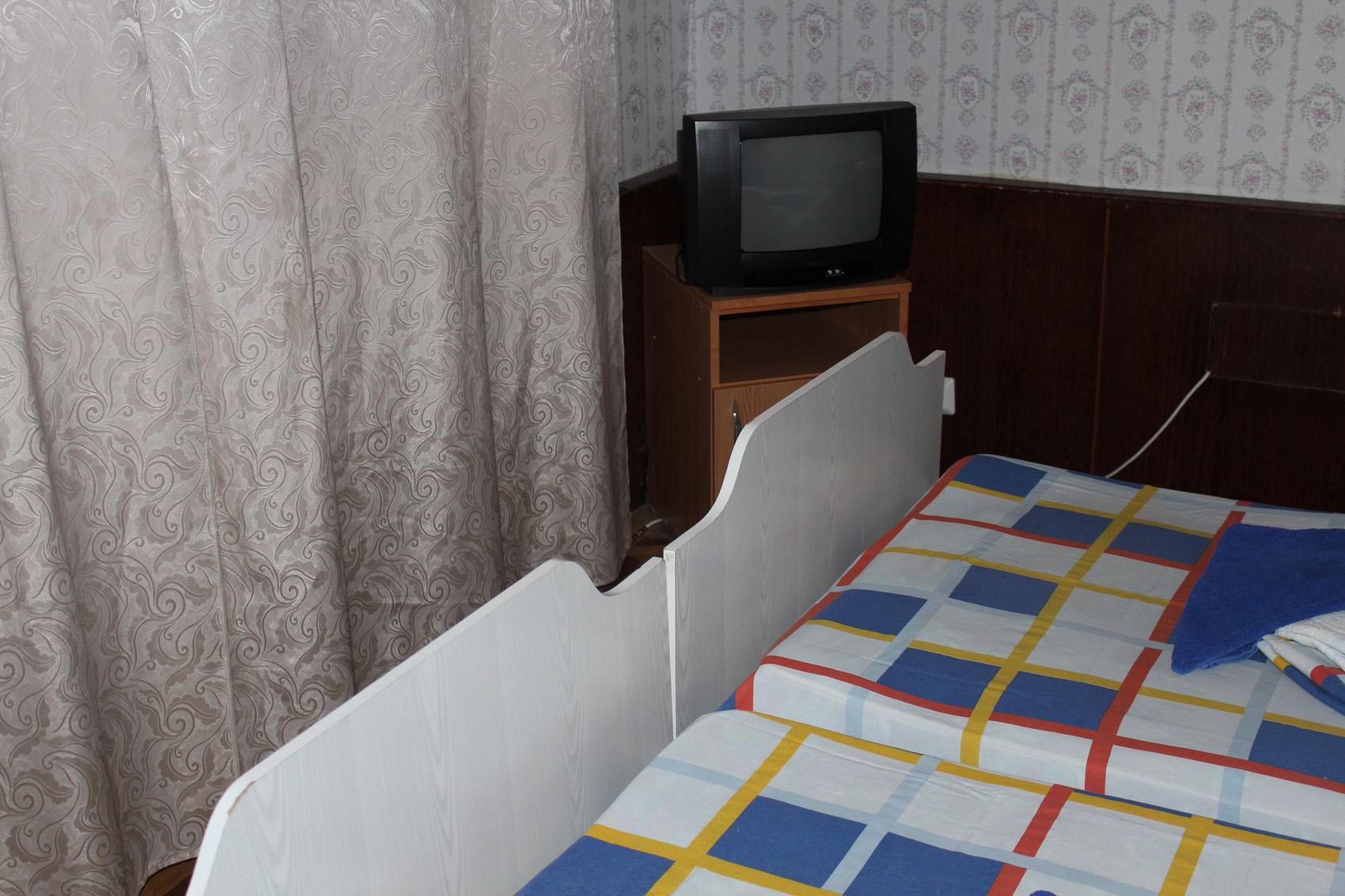 Эконом 2-местный 1-комнатный (без удобств, вид на горы)