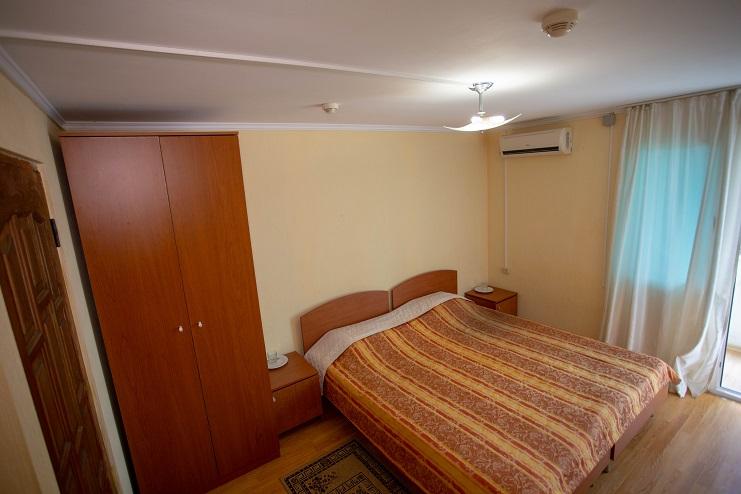 Стандартный 2-местный 1-комнатный на территории в коттедже