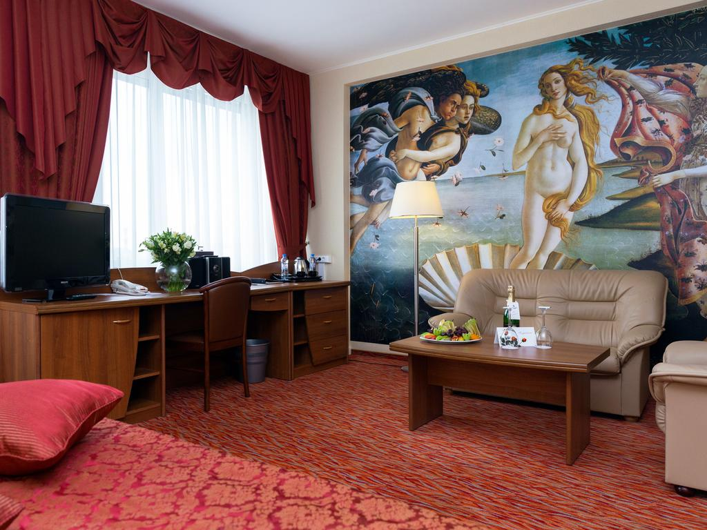 услуги телохранителя гостиница панорама в москве фото википедии