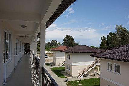 Вид на коттеджи 2-этажные на 2 номера