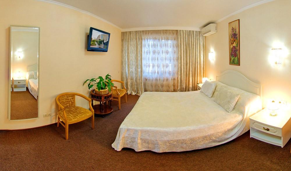 Люкс 2-местный 2-комнатный на 2-й территории