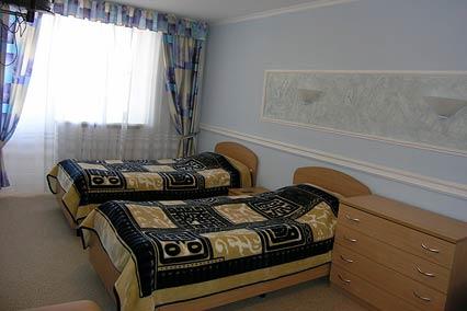 Полулюкс 4-местный 3-комнатный