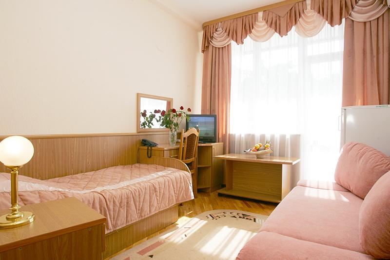 Стандартный 1-местный 1-комнатный корпус Приморский (0.77)  6,7 этаж, вид на море