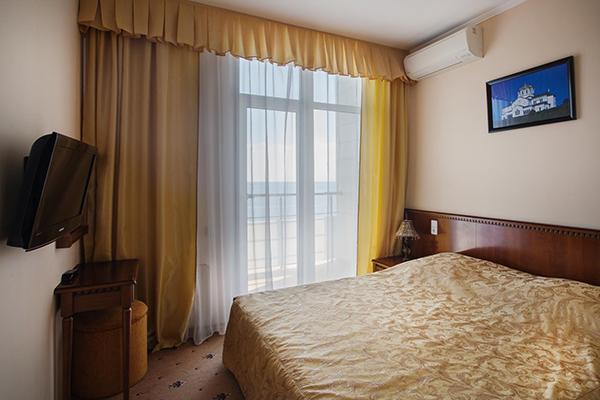 Люкс улучшенный 2-местный 2-комнатный корп Морской