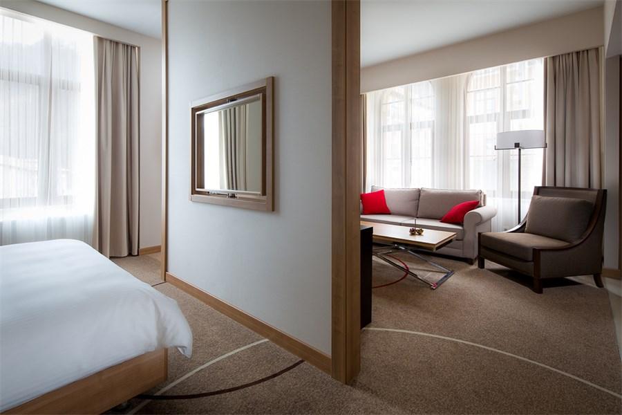 Люкс 2-местный c 1 двуспальной кроватью