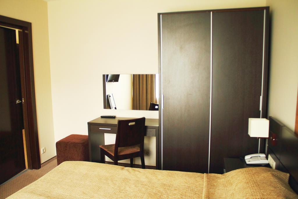 Люкс 2-местный 3-комнатный