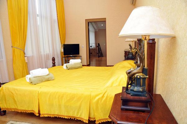 Коттедж 2-этажный: спальня