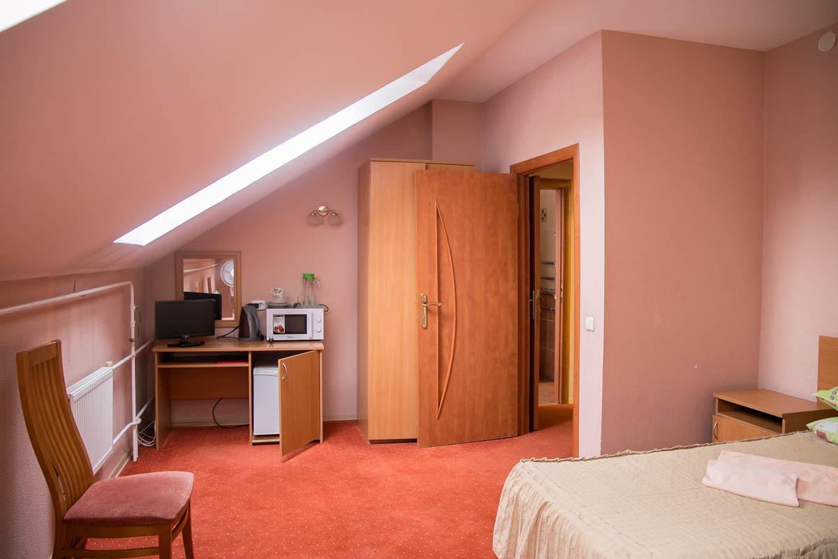 Мансардный 2-местный 1-комнатный