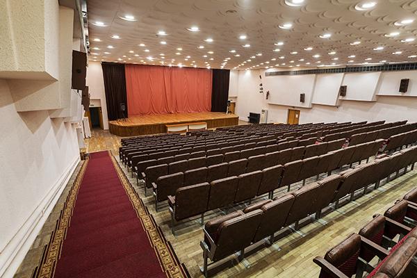 Кино-концерный зал на 420 мест