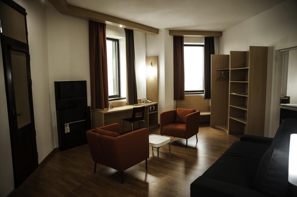 Suite DBL